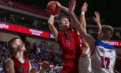Iowa high school boys' basketball rankings: Monticello inches closer to…