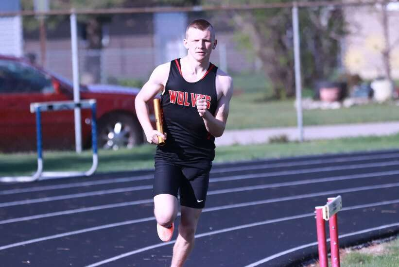 Demons, Wolves run at Indian Relays