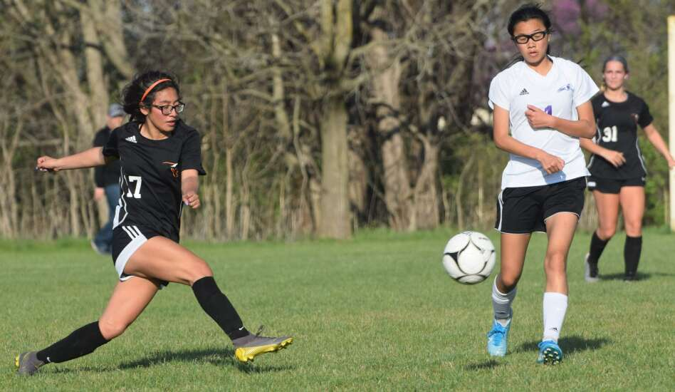 Washington girls unable to overcome Burlington, wind in home soccer match