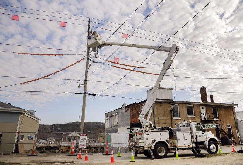 Alliant, Decorah residents battle over power control