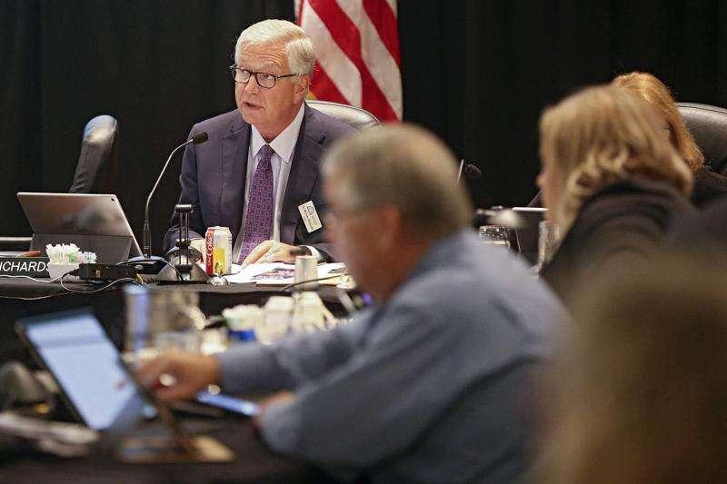 Iowa regents unveil 5-year tuition model