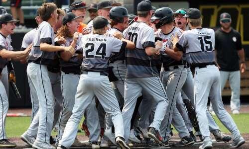 Photos: Prairie vs. Dowling, Class 4A state baseball tournament