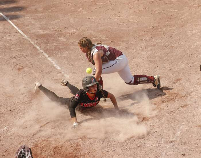 Mount Vernon can't make early lead stick against Assumption in 3A state softball championship