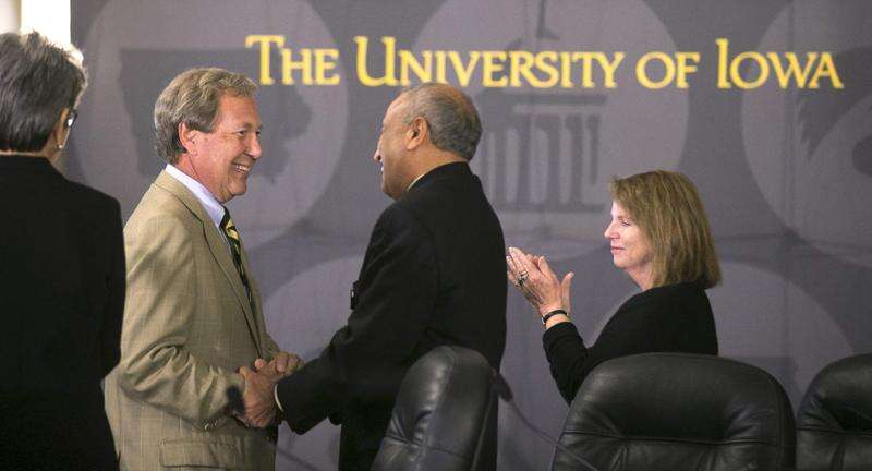 Pandemic doesn't deter university president searches
