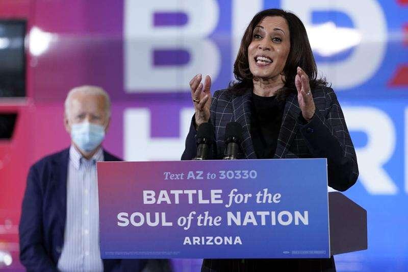 'So much at stake' in 2020 election, Kamala Harris tells Iowa Democrats