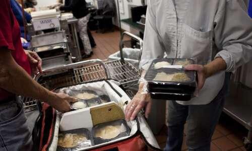 Horizons plans return of hot meals