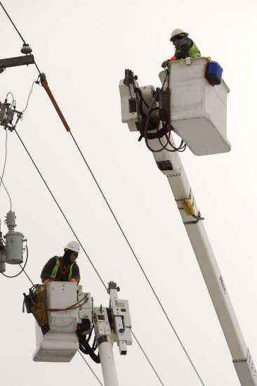 Eastern Iowa utilities ramp up line mechanic recruiting