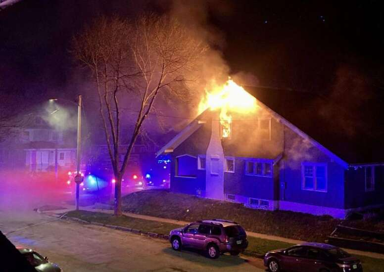No one hurt in Cedar Rapids house fire