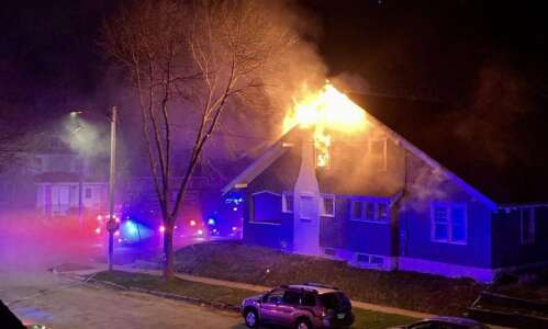 No one hurt in Cedar Rapids house fire