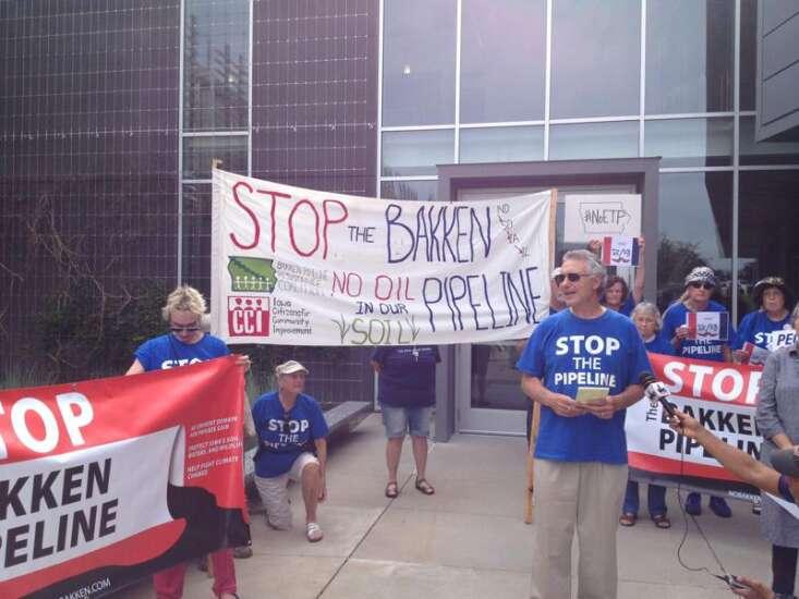 Iowa landowners, protesters allege Bakken pipeline problems