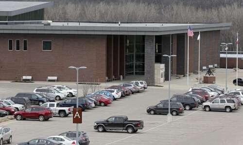 Cedar Rapids school district concludes teacher-student sex scandal investigation