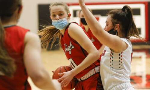 Iowa City High girls' basketball jumps back into the fray…