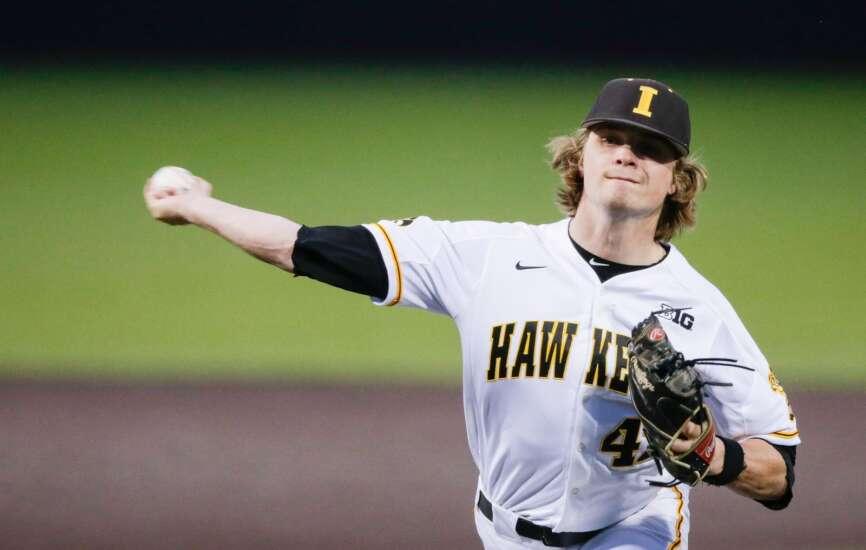 Photos: Iowa Hawkeyes baseball vs. Illinois Fighting Illini