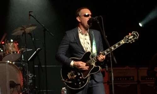 Joe Bonamassa fires up the blues at Paramount in Cedar…