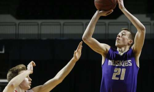 Joe Wieskamp and North Linn Lynx shine in Cedar Rapids