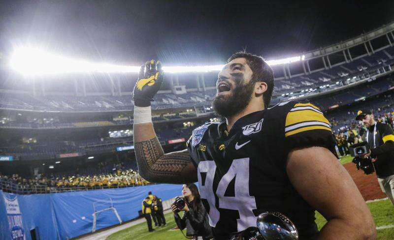 A.J. Epenesa begins NFL career in Buffalo