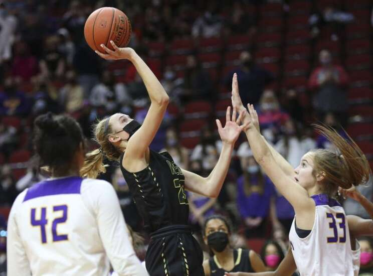 Defending 5A champion Johnston sidelines Iowa City West at girls' state basketball