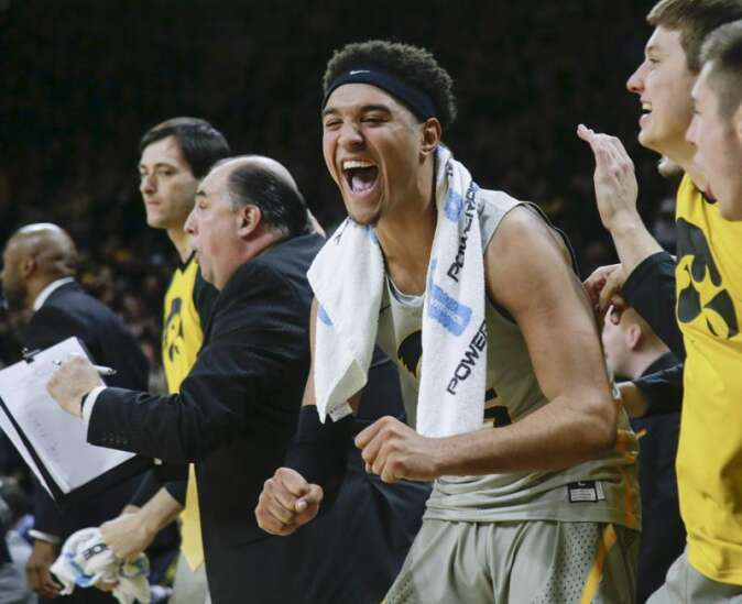 Cordell Pemsl comes back, has Iowa teammates' backs vs. Iowa State