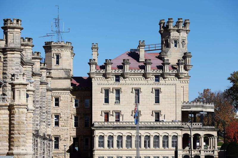 Officer assaulted at Anamosa State Penitentiary