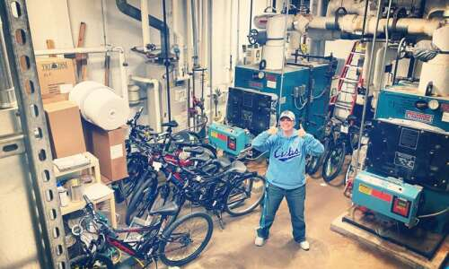 Cedar Rapids school resource officer collecting new bikes, shoes for…