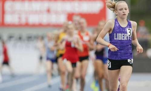 Iowa 4A girls' state track: Ashlyn Keeney controls the 1,500…