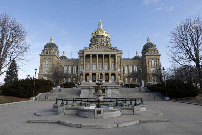 Iowa lawmakers target food assistance, but not corporate welfare