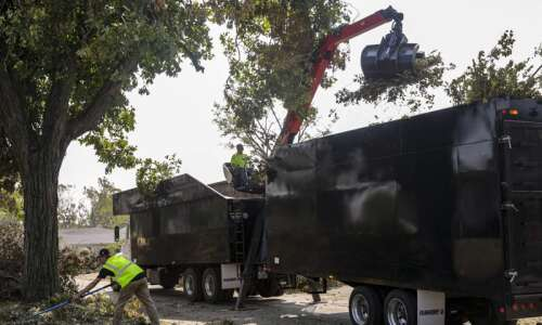 Cedar Rapids finishes first pass of clearing tree debris from…
