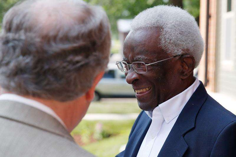 Civic leader Percy Harris, the first black physician in Cedar Rapids, dies at 89