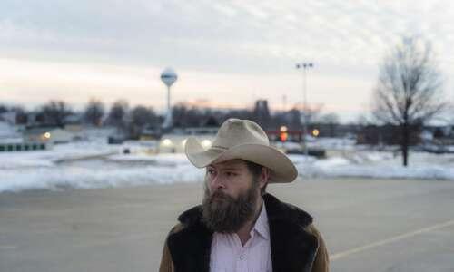 Lone Tree mayor working to eliminate his own job won't…