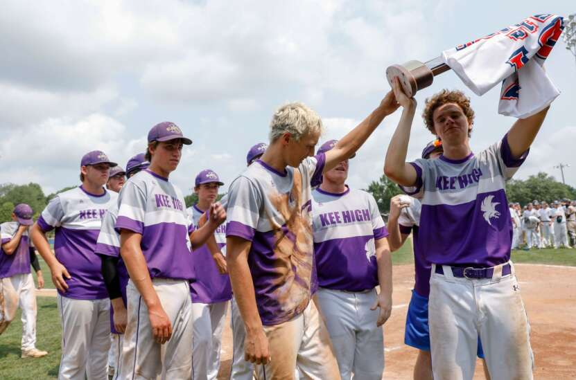 Council Bluffs St. Albert holds off Lansing Kee for Class 1A state baseball title