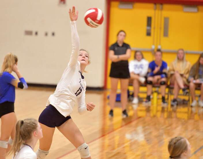 Cedar Rapids Xavier holds off host Marion for volleyball tournament title