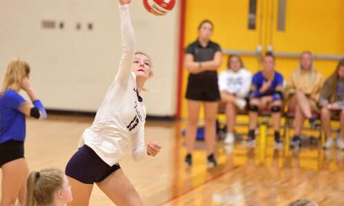 Xavier holds off Marion for tournament title