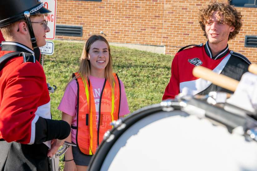 Linn-Mar High forgoes homecoming court tradition for inclusivity