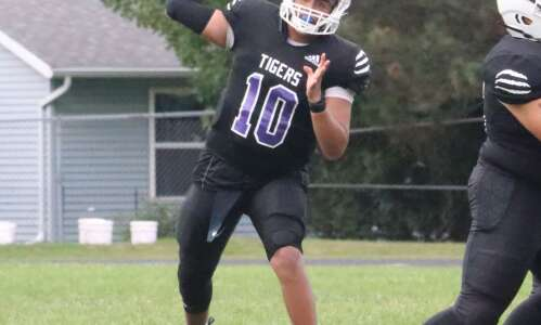 Iowa Wesleyan football falls to Division II opponent
