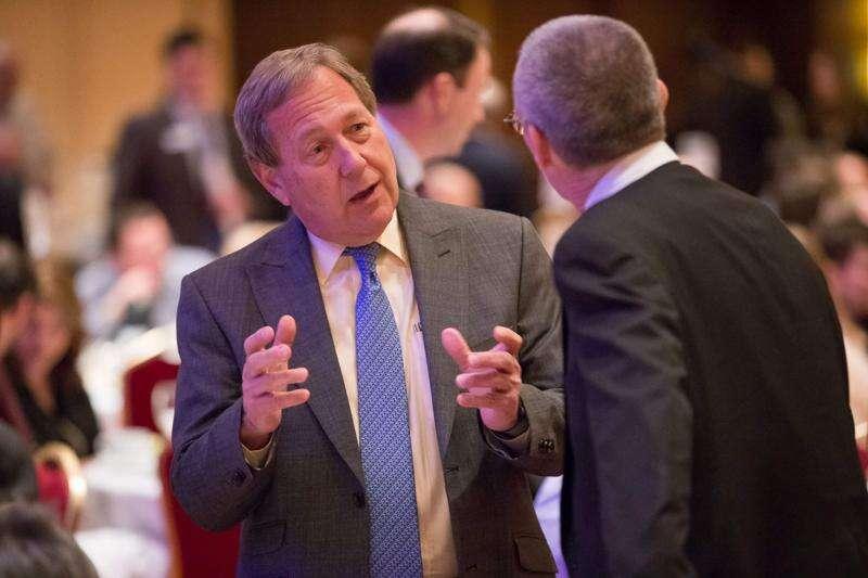 University of Iowa looks to merge foundation with alumni association