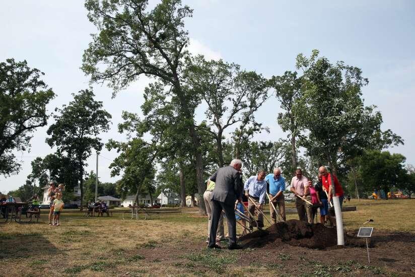 Cedar Rapids ReLeaf initiative raises over $1M in private funds to replant after derecho