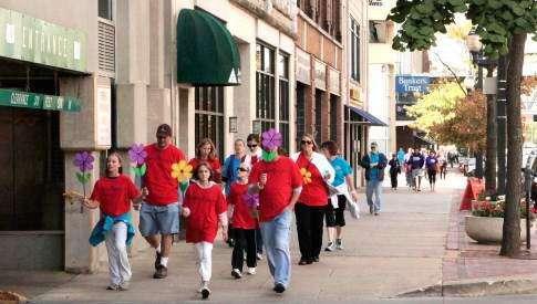 Walk to End Alzheimer's in Cedar Rapids starts Saturday morning
