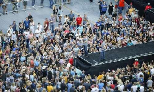 Ashton Kutcher's failed promise to Iowans