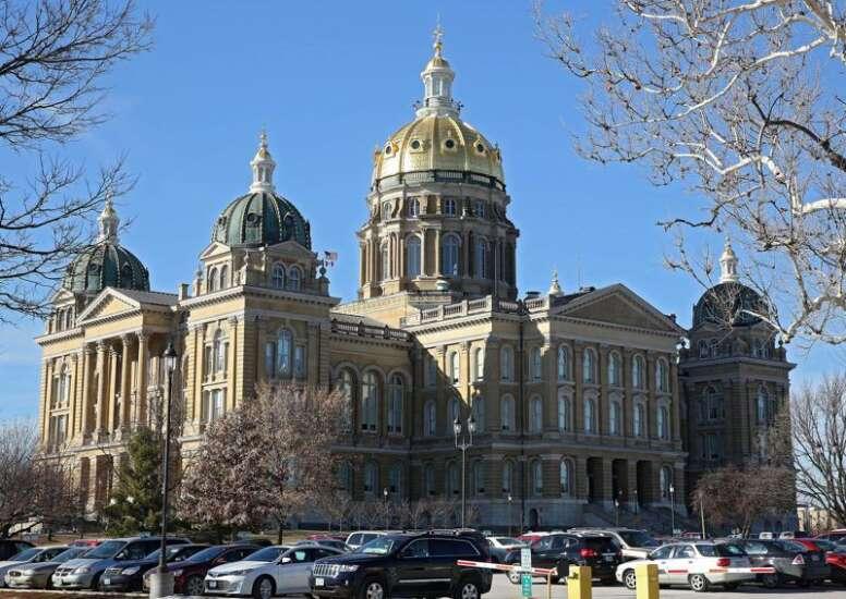 Iowa lawmakers talk education funding, but gap remain