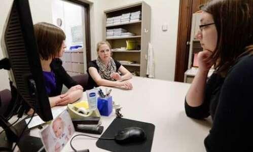 FAFSA applications dip in Iowa amid COVID-19, reversing gains