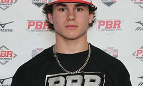 Iowa City High splits baseball doubleheader with Cedar Rapids Xavier