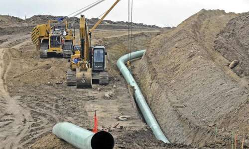 Judge orders Dakota Access pipeline shut down