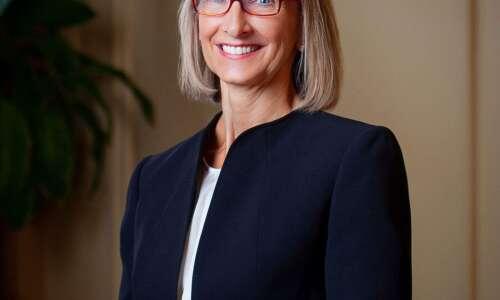 Iowa Wesleyan extends president's contract