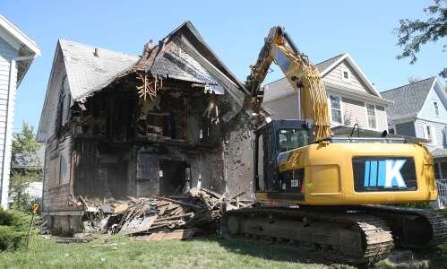 """Neighborhood """"eyesore"""" finally demolished after five years"""