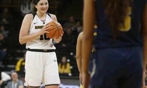 Megan Gustafson's 34 points carry Iowa to bounce-back win at…