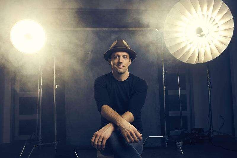Spotlights shining on Jason Mraz, coming to McGrath Amphitheatre Sunday night