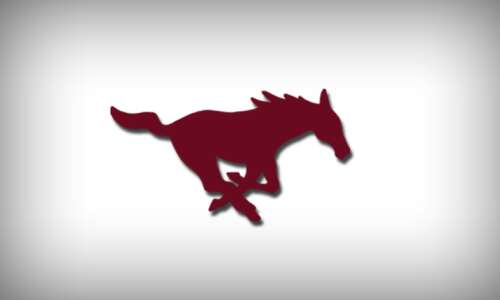 Undersized Mount Vernon continues to win, topples Dyersville Beckman, 59-52