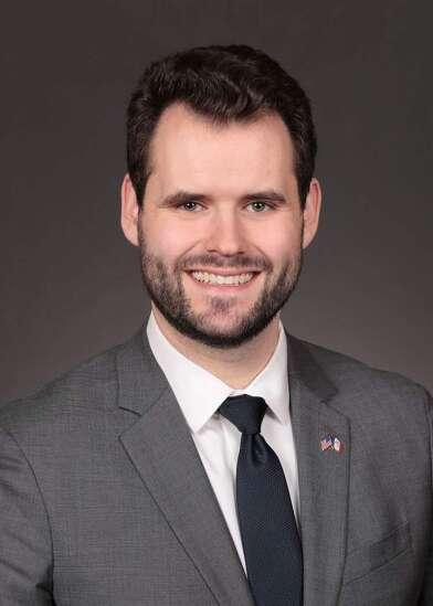 Iowa Democrats, gun safety group ask Gov. Kim Reynolds to veto gun bill
