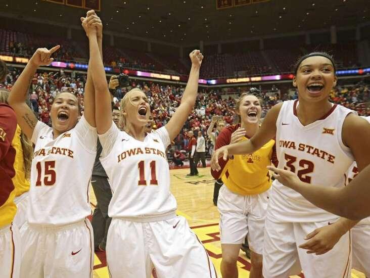 Cy-Hawk women's basketball rivalry is also a Mason City Mohawk reunion