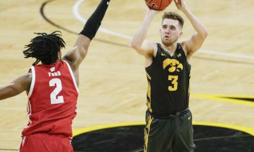 Jordan Bohannon returning for another season with Iowa Hawkeyes